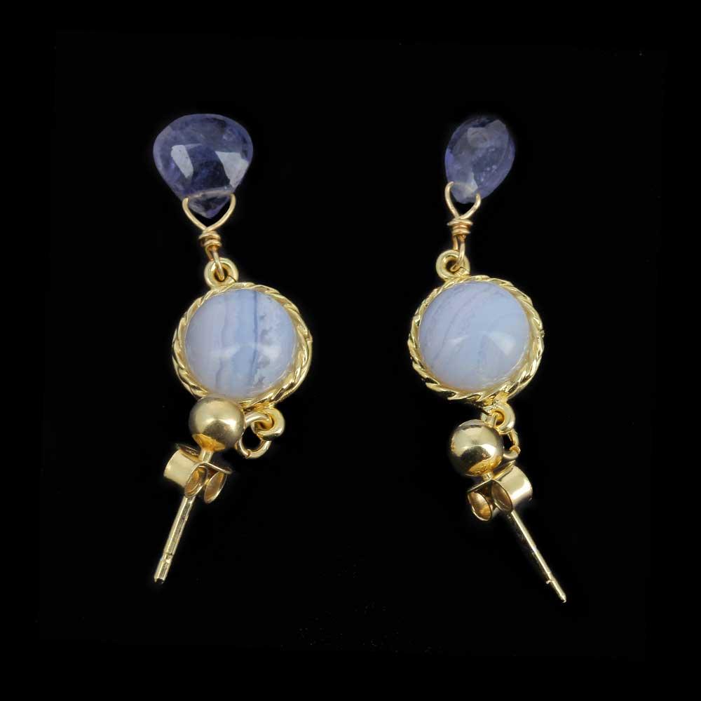 Korte vergulde oorbellen met echte kleurstenen