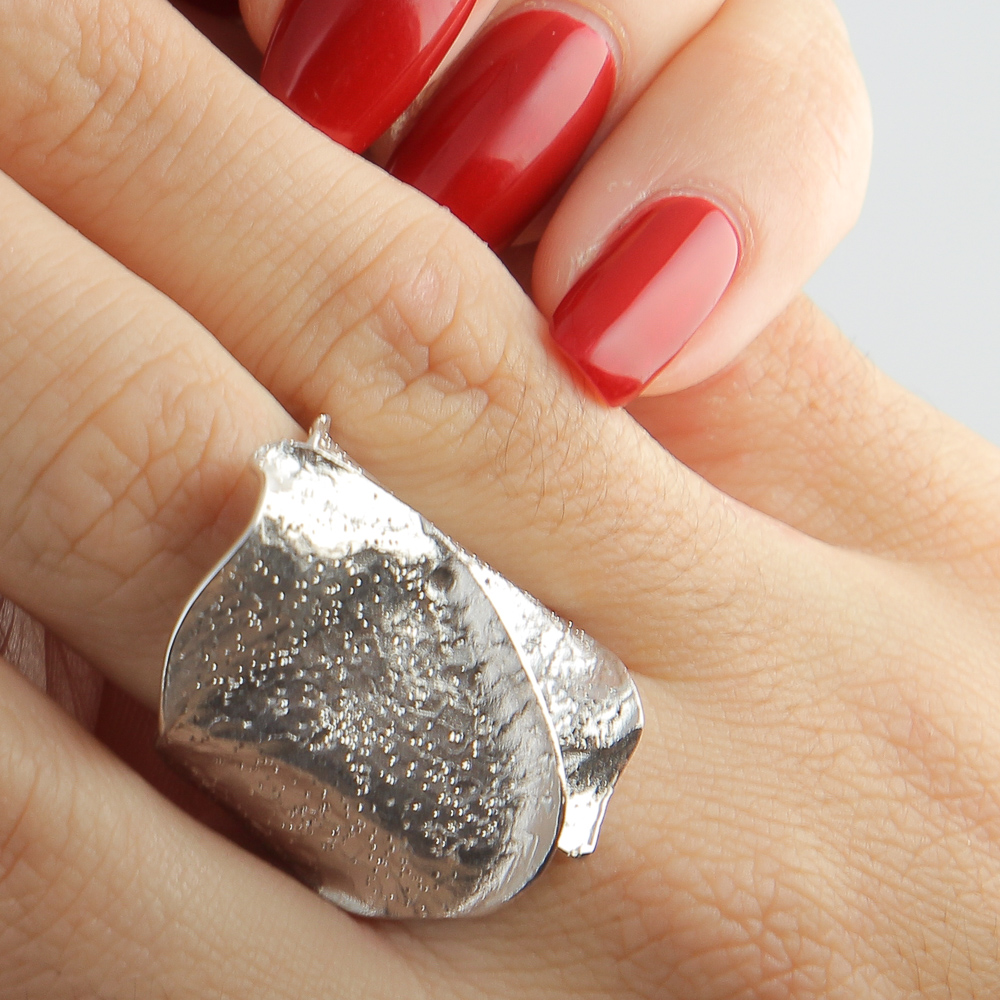 Zilveren gediamanteerde ring met schitteringen