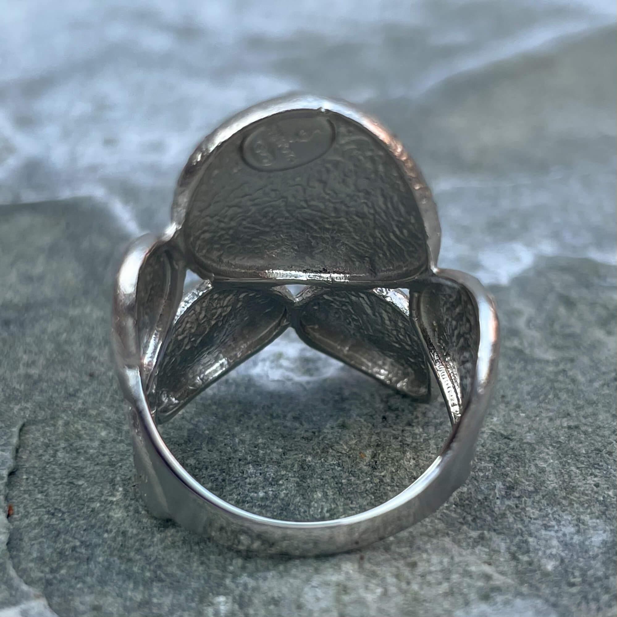 Zilveren ring met ovaalvormige bewerkingen