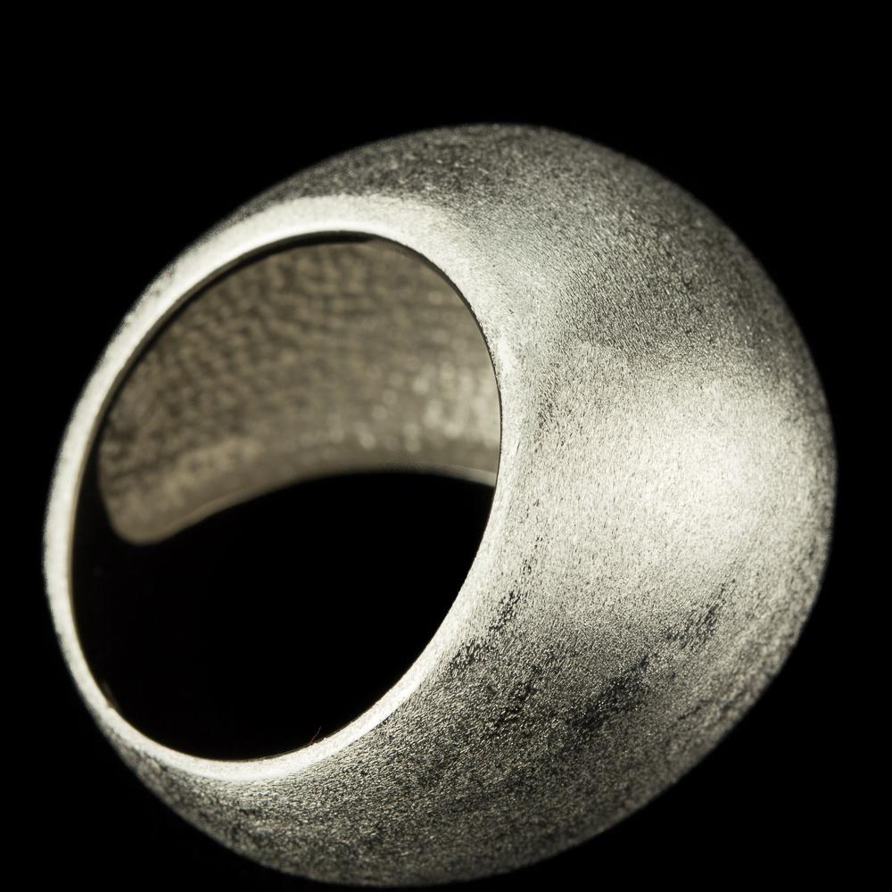 Zilveren bolvormige ring