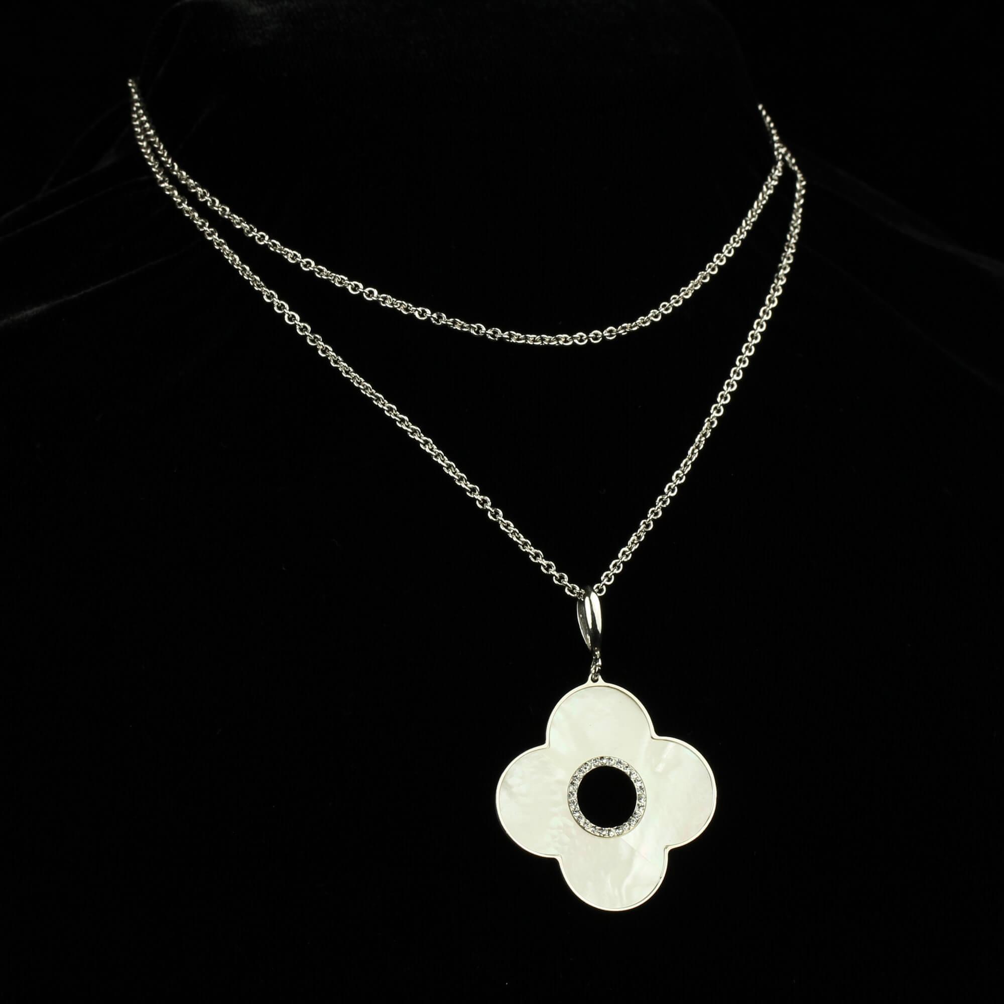 Italiaanse halsketting met bloemvormige hanger