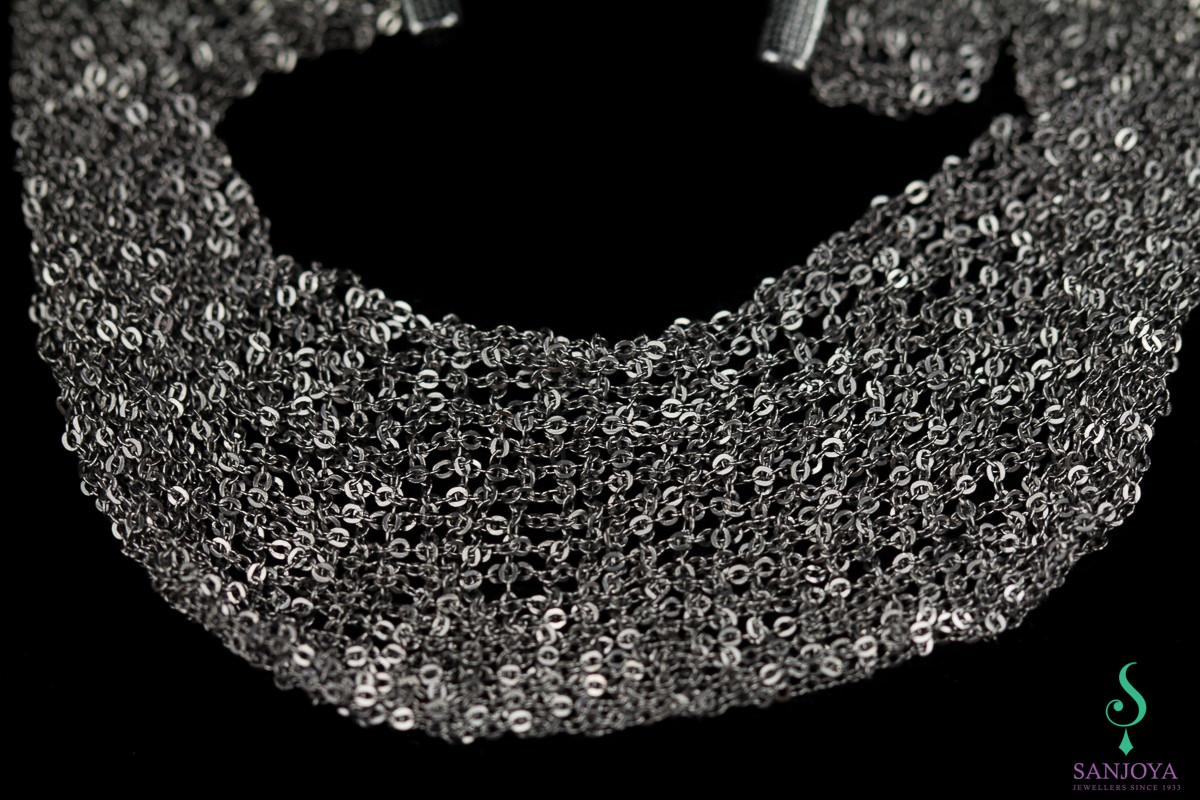 Donkergrijze smalle armband van meerdere kettinkjes