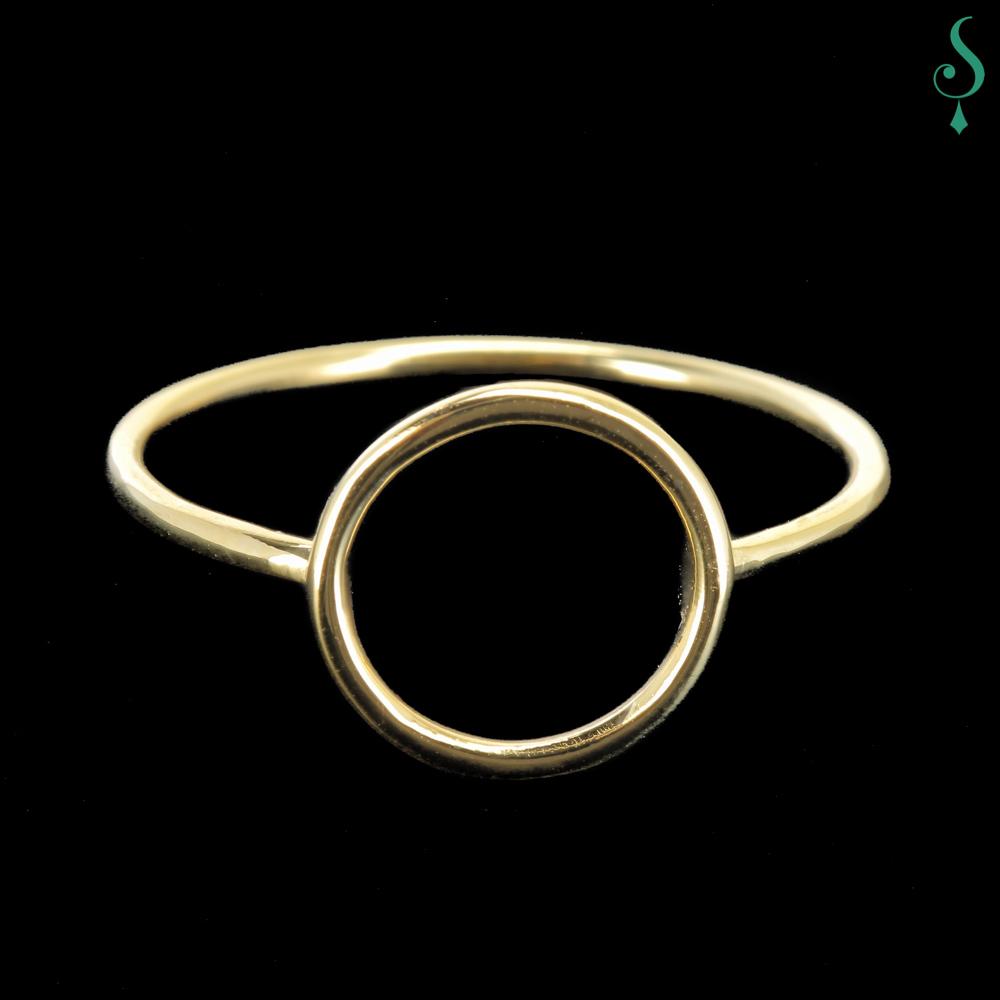 Cirkelvormig gouden ringetje van 18Kt goud