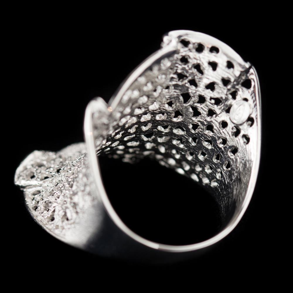 Verfijnde zilveren ring met schitteringen