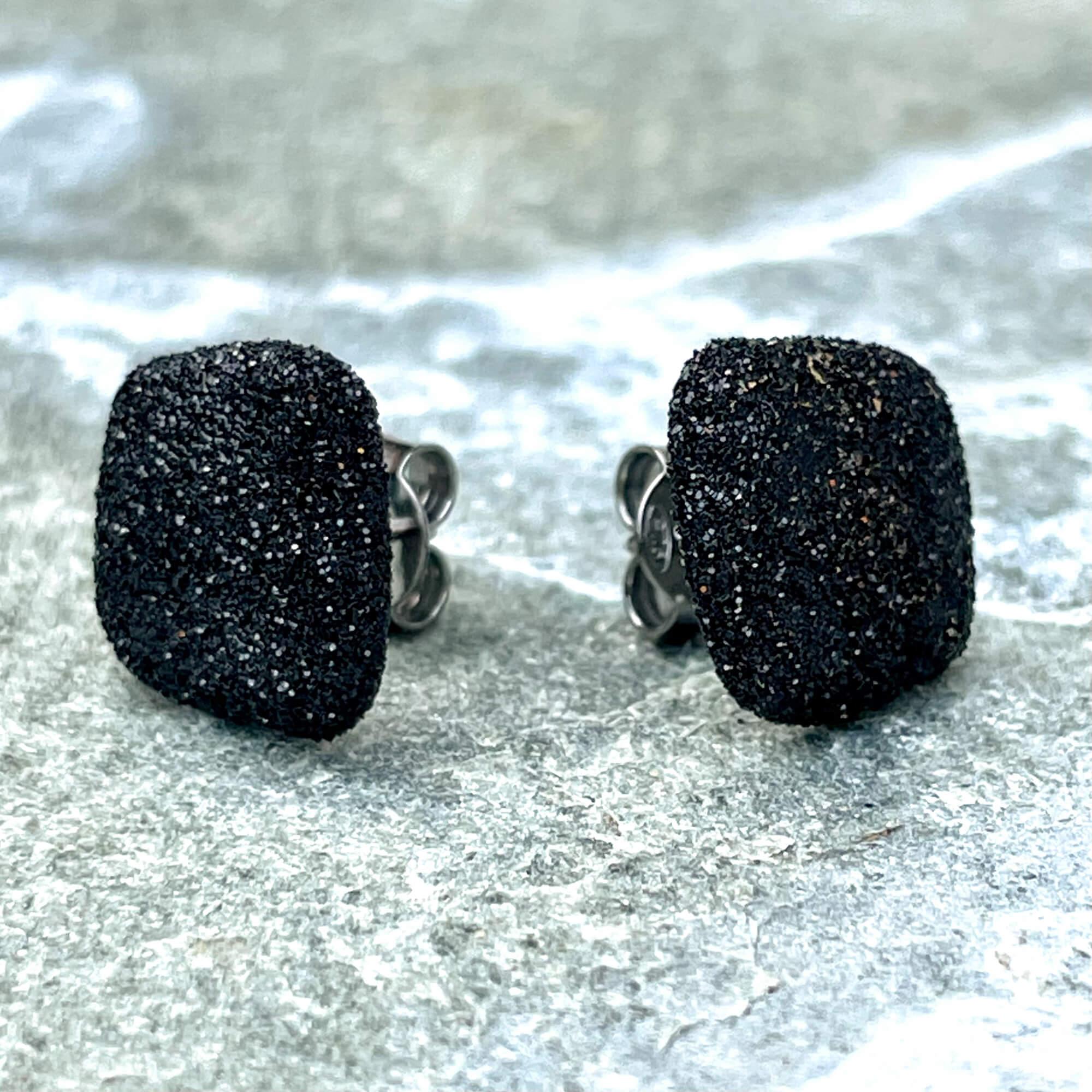 Schitterende zwarte oorbellen van zilver/klein