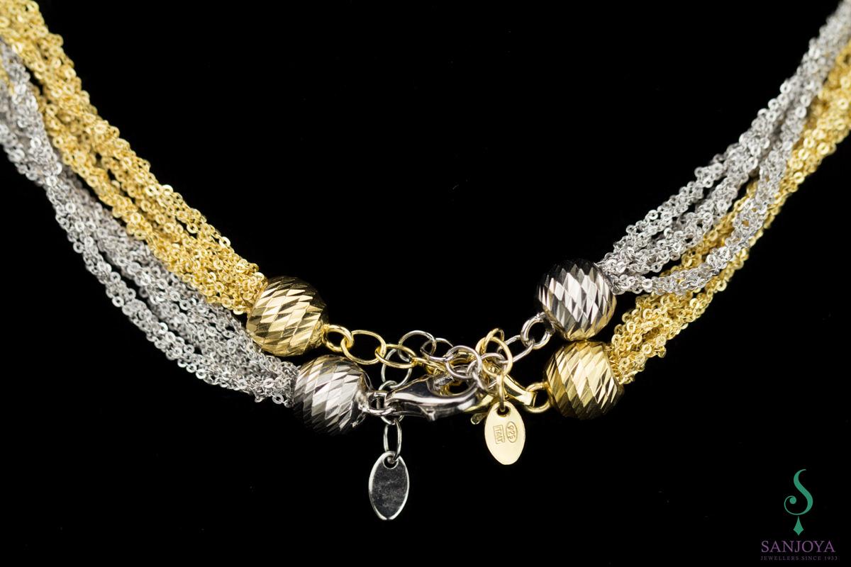 Vier verweven fraaie zilveren armbandjes