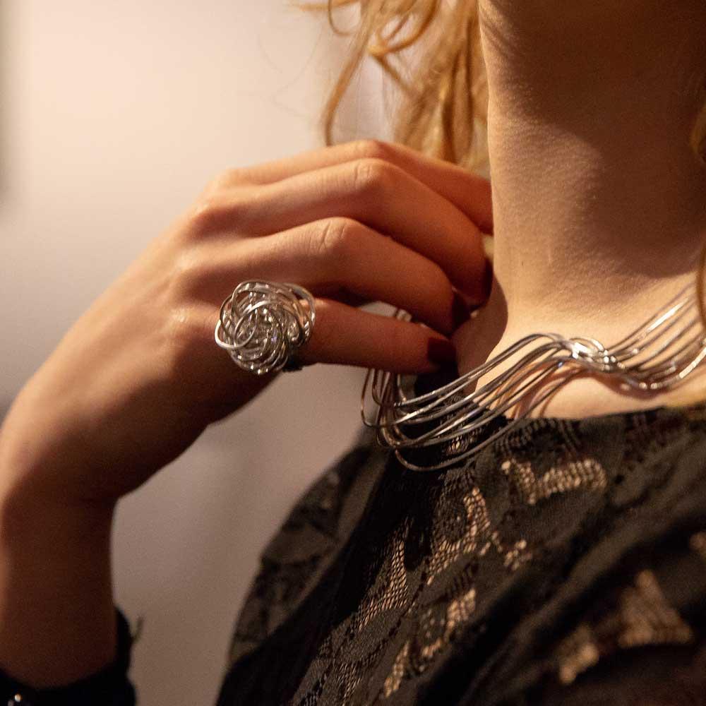 Meerdradige zilveren krulring