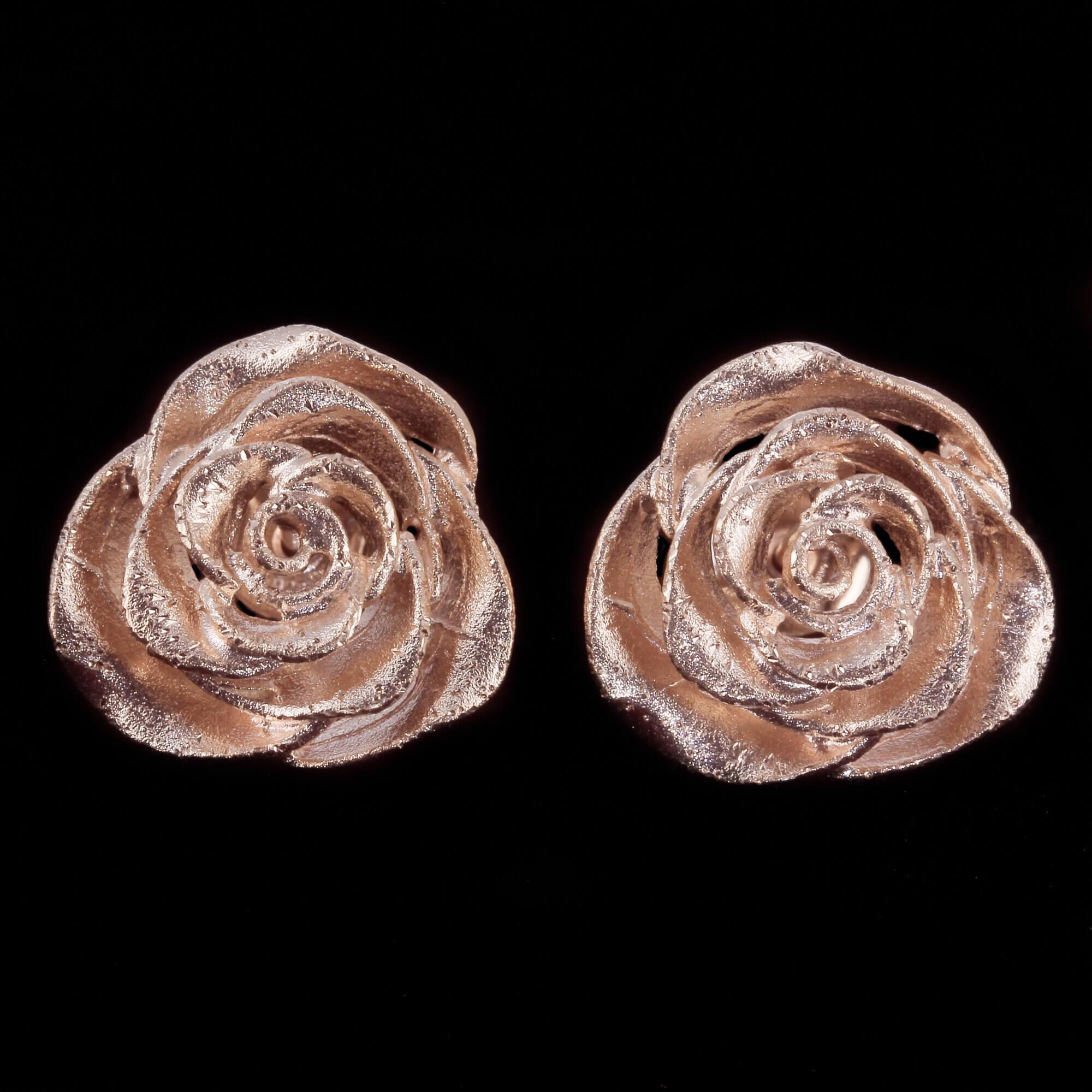 Kleine en schitterende rosé bloemoorbellen