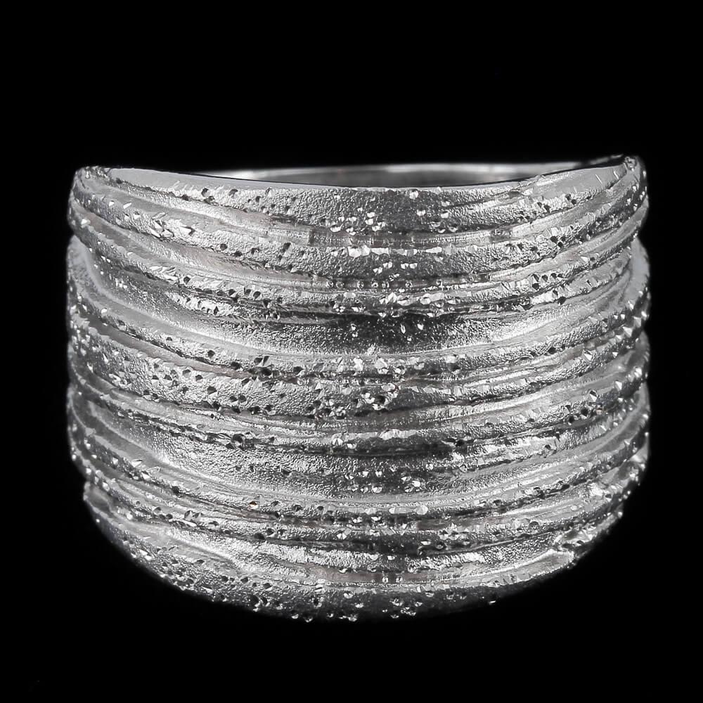 Schitterende en gestreepte zilveren ring