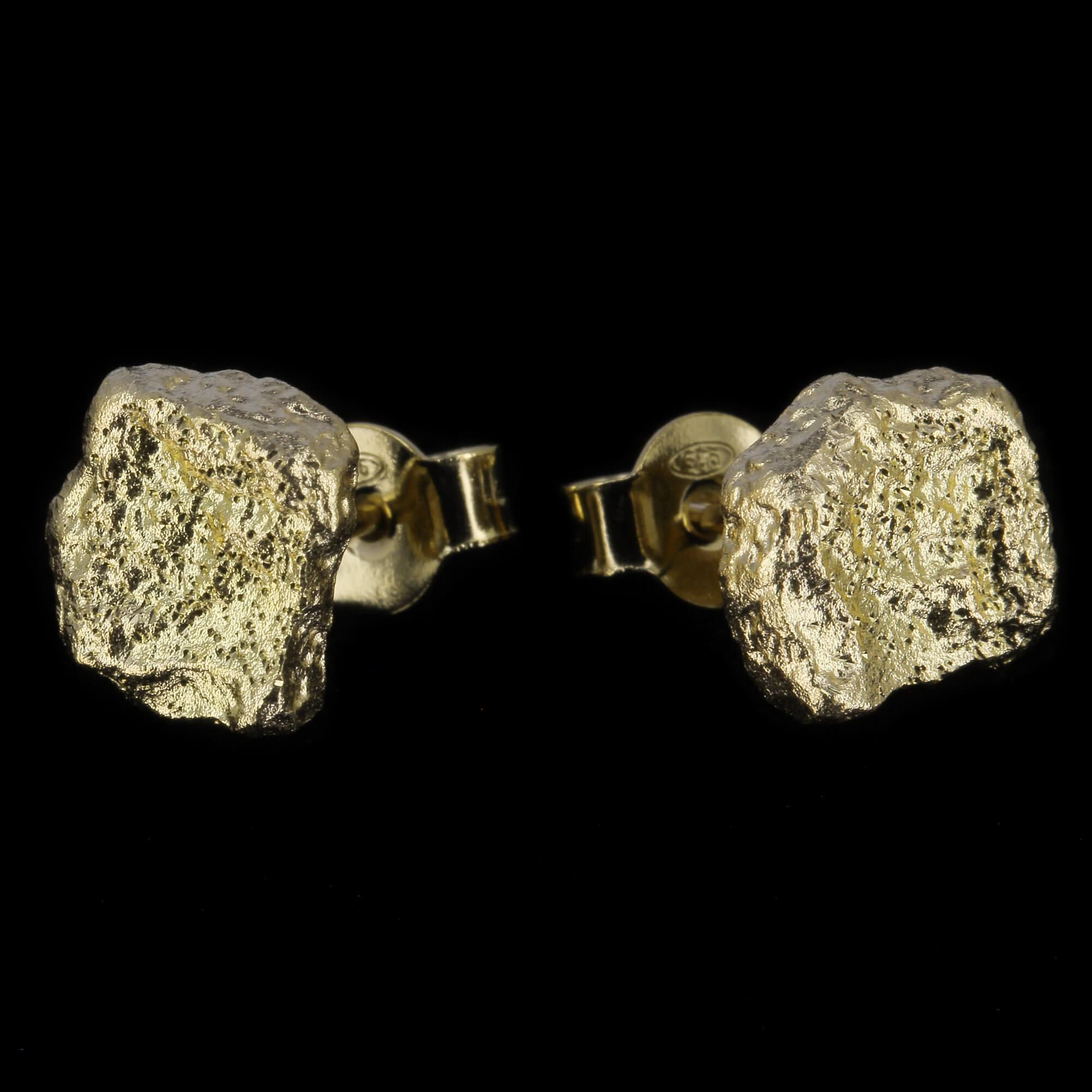 Kleine vergulde steenvormige oorbellen