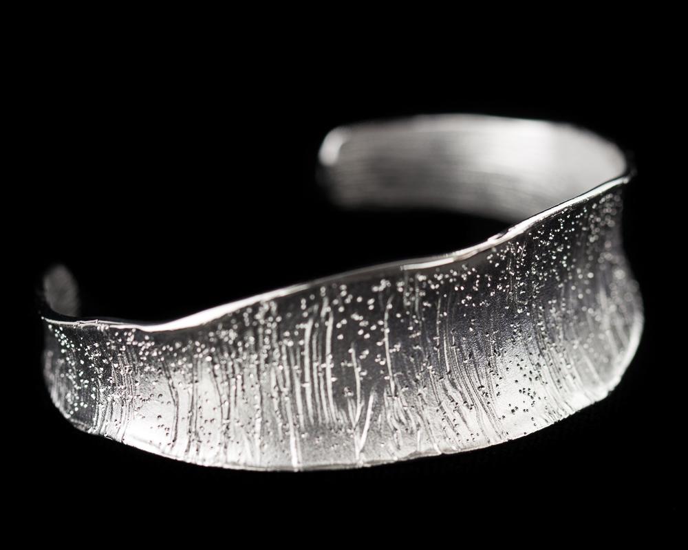 Zilveren slavenarmband, mat gediamanteerd 'Smalle versie'