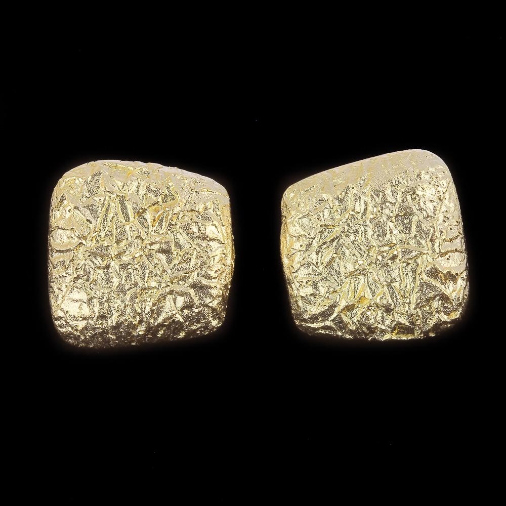 18kt vierkante oorbellen met afgeronde hoeken