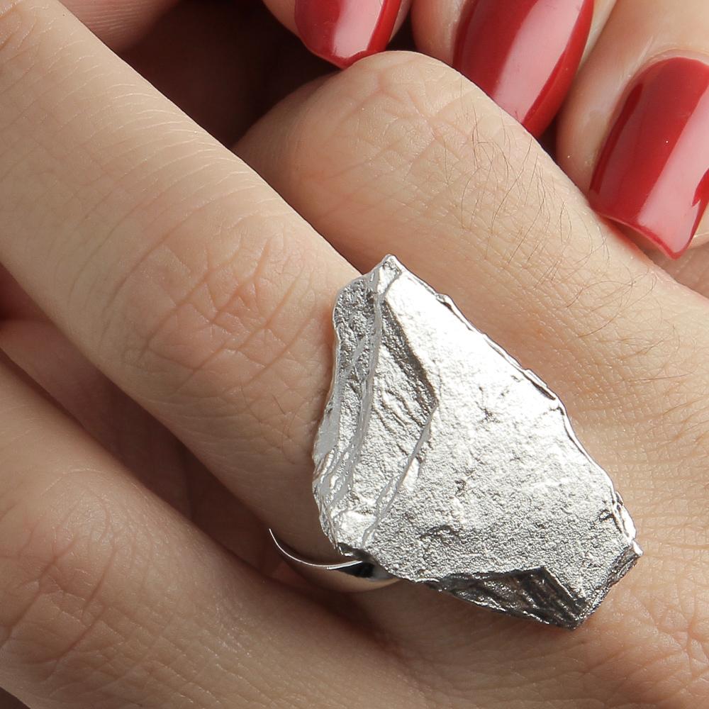 Steenvormige ring van zilver
