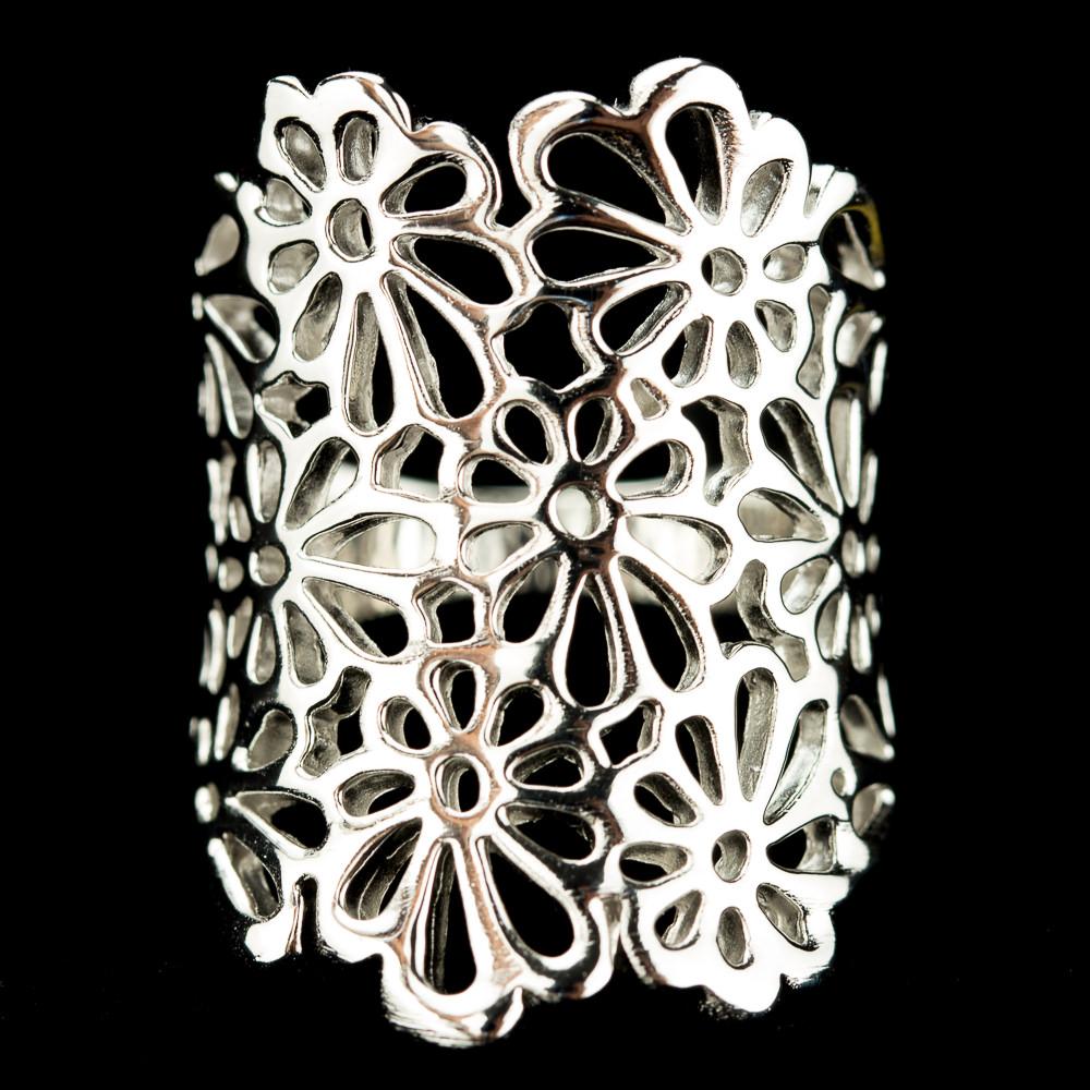 Brede open bewerkte zilveren ring