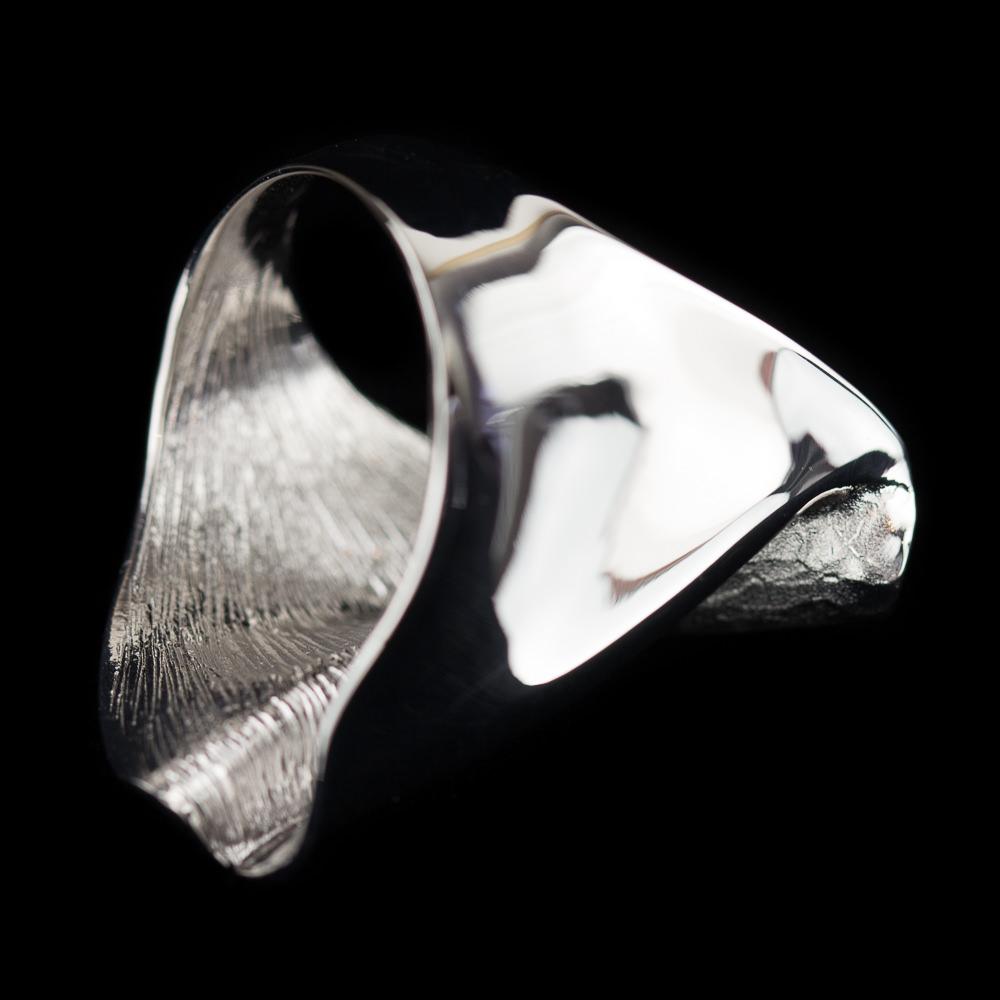 Brede chique zilveren ring, mat en gepolijst