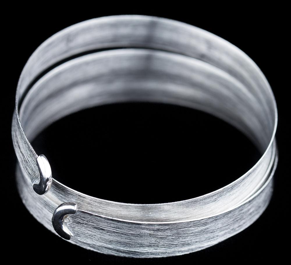 Driedubbele zilveren smalle slavenarmband