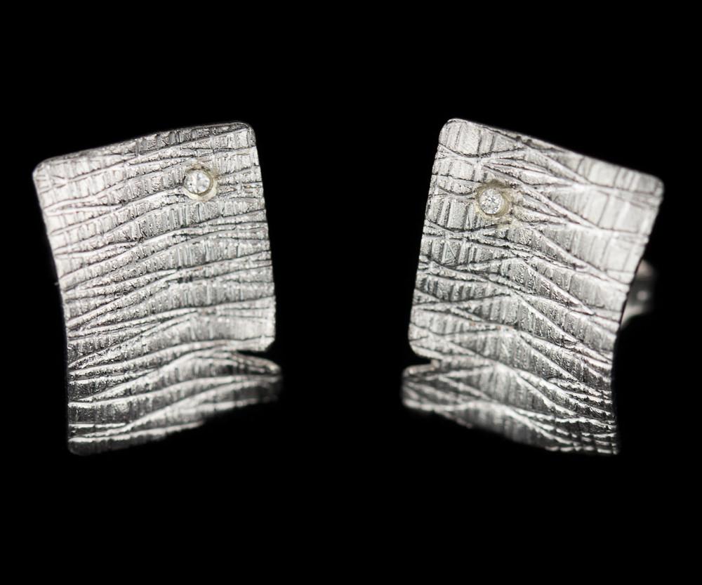 Zilveren rechthoekige oorbellen met zirkonia