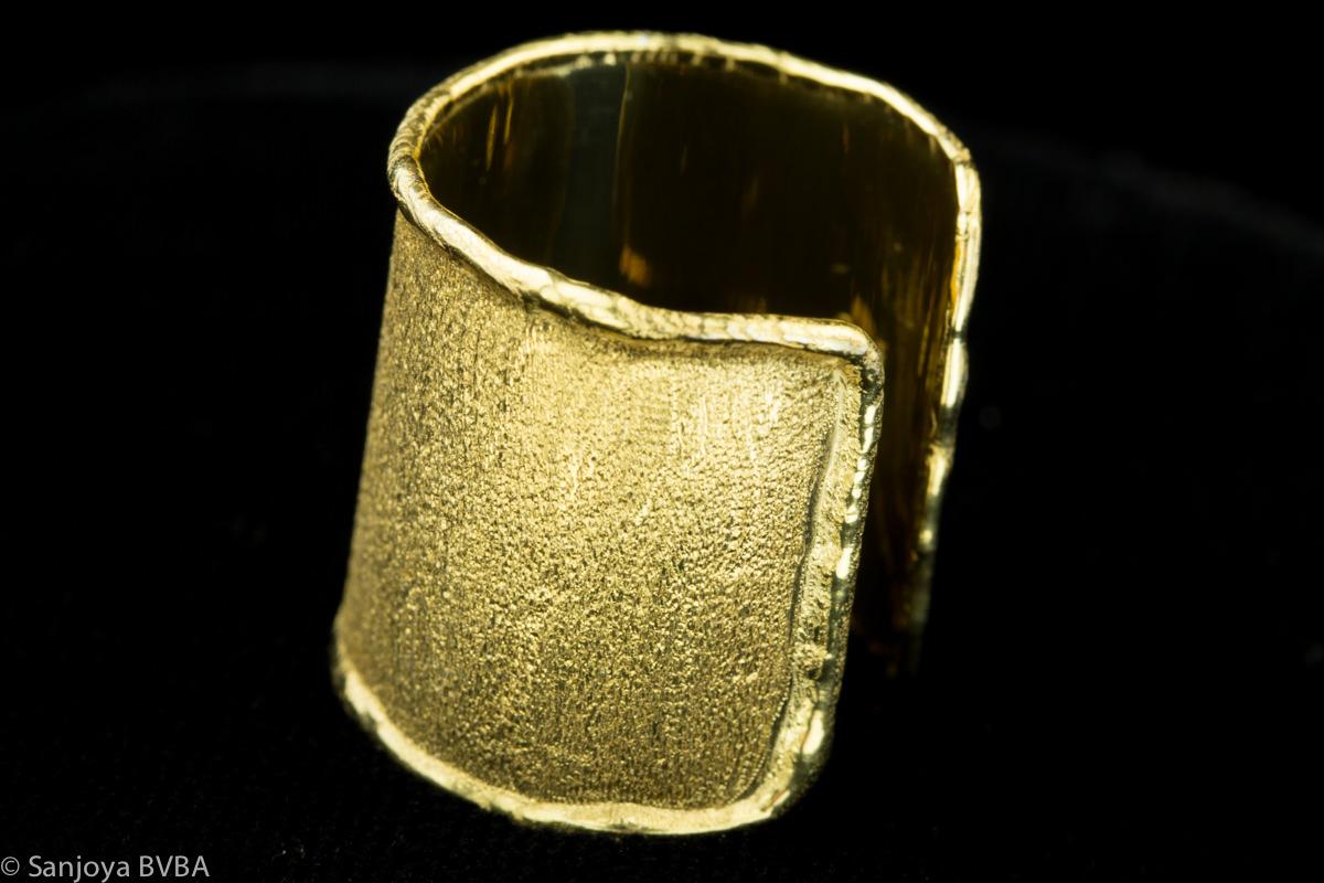 Italiaanse brede ring verguld met satijnglans