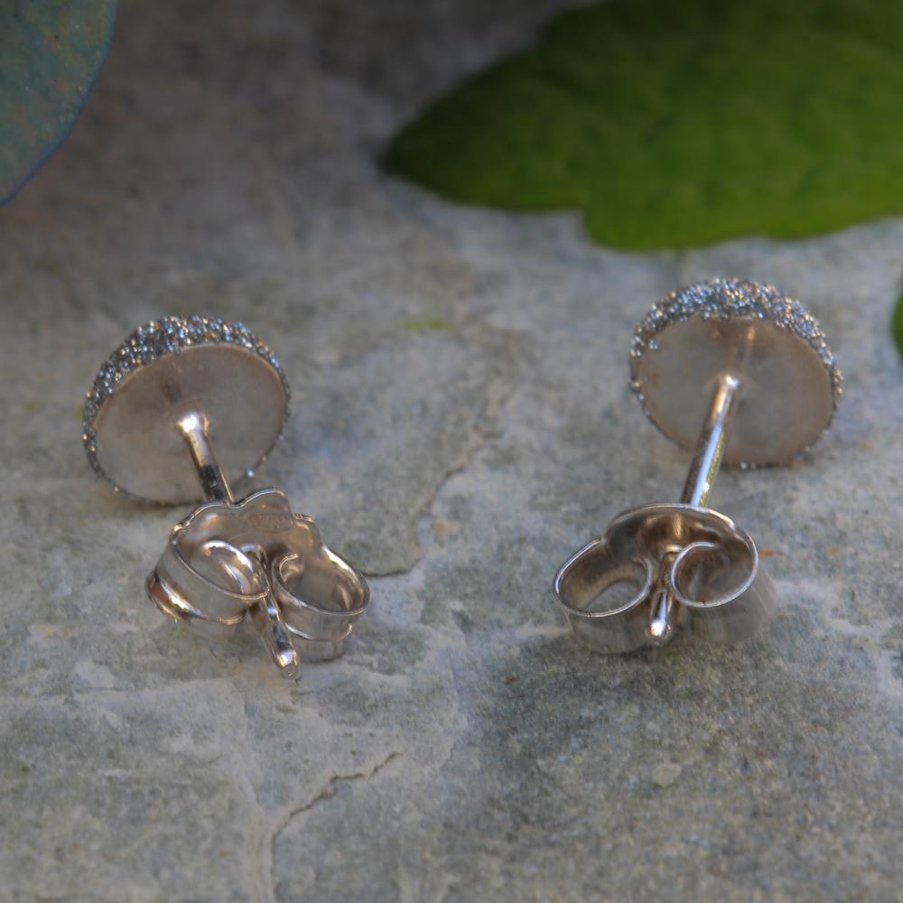 Schitterende grijze oorbellen, gediamanteerd