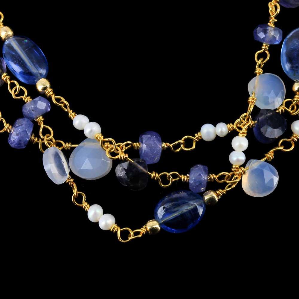 Vergulde 3-rijige armband met kleurstenen en parels