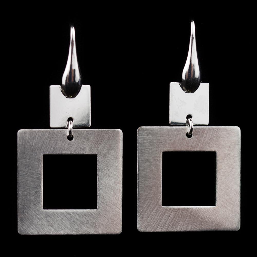 Zilveren oorbellen, afhangend en vierkant
