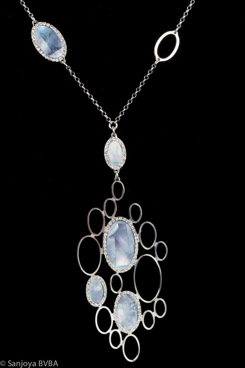 Zilveren ketting met grote blauwe parelmoeren hanger