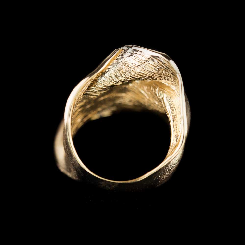 Matte plooiende vergulde zilveren ring met gepolijste rand