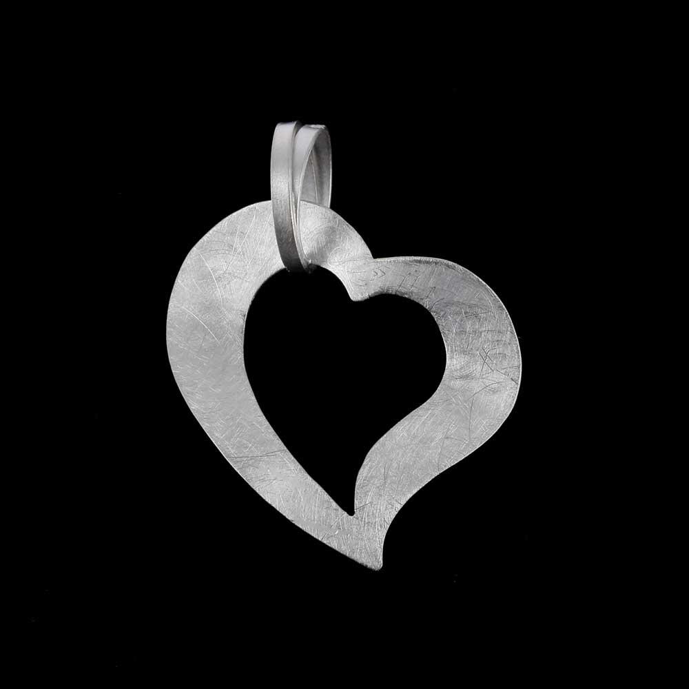 Openbewerkt hart van zilver