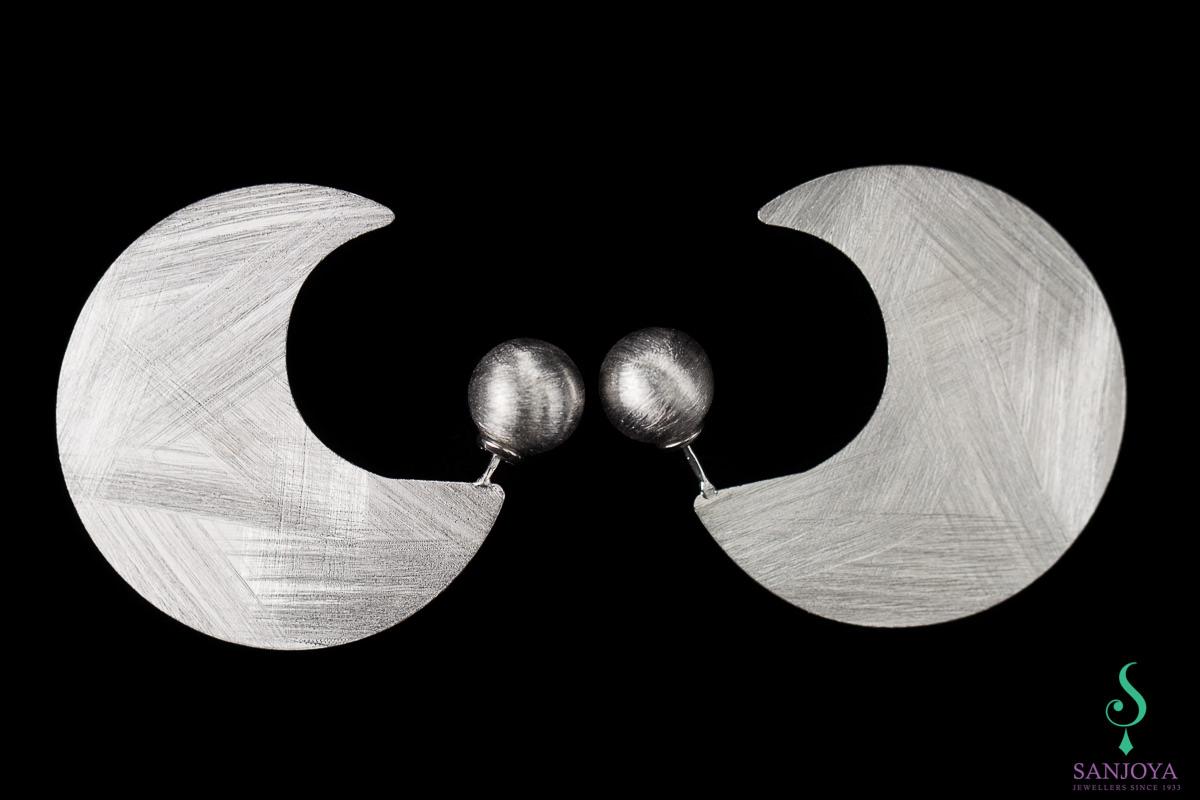 Zilveren matte creolen