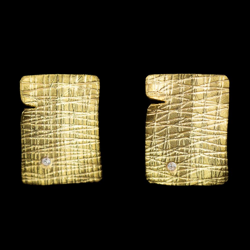 Vergulde rechthoekige oorbellen met zirkonia