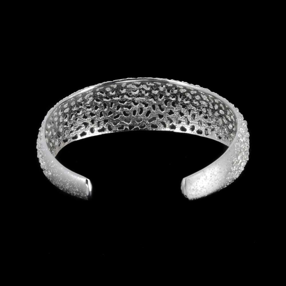 Verfijnde smalle en zilveren armband met schitteringen